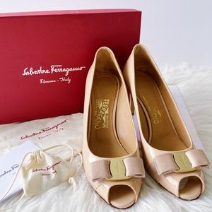 Ferragamo Pola 7cm Peep-toe Pumps in New Bisque